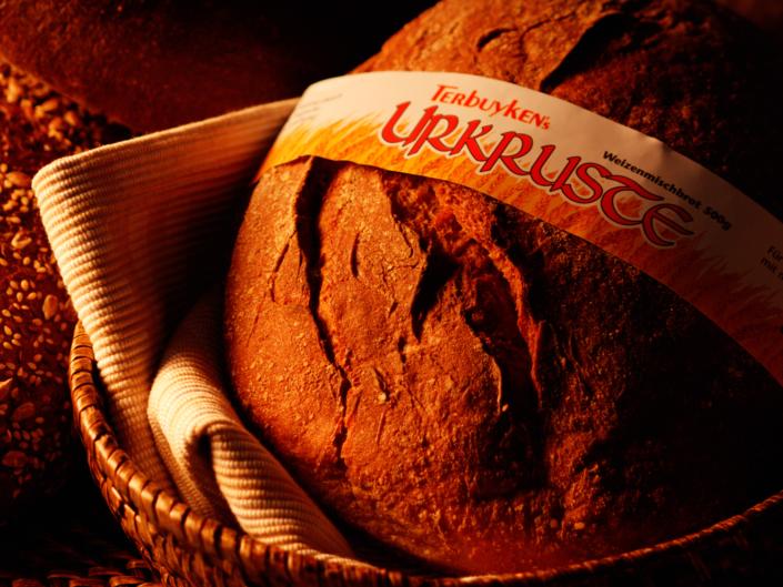 Rustikales Brot im Korb