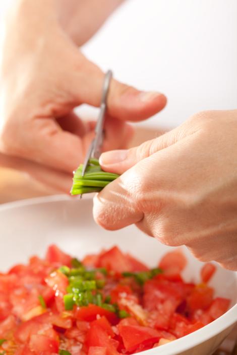 Tomaten und Schnittaluch, eine köstlich Kombination