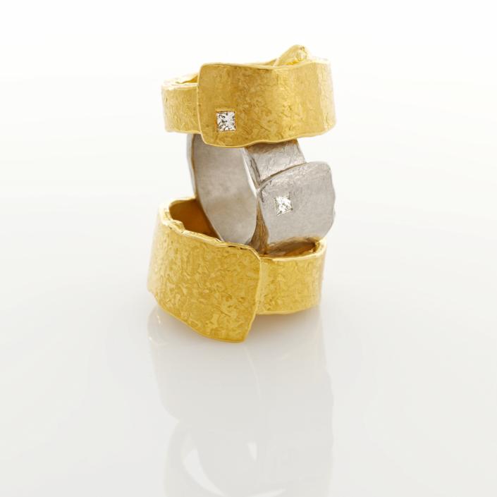 Ringe aus Gold und Platin mit Brilliant